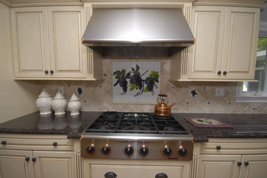Fused and Stained Glass Kitchen Backsplash with Grapes ...