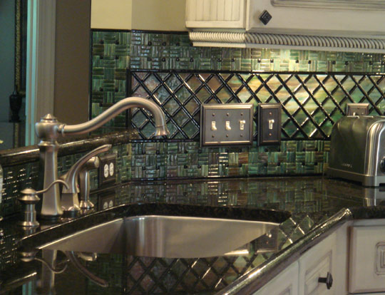 lattice_sink Kitchen Backsplash With Mosaic Border Ideas on living room ideas with borders, bathroom with borders, kitchen tile backsplash with borders, landscaping ideas with borders, backsplashes with borders,