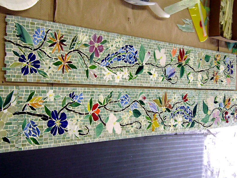 mosaic border tiles in floral motif | designer glass mosaics, Wohnideen design
